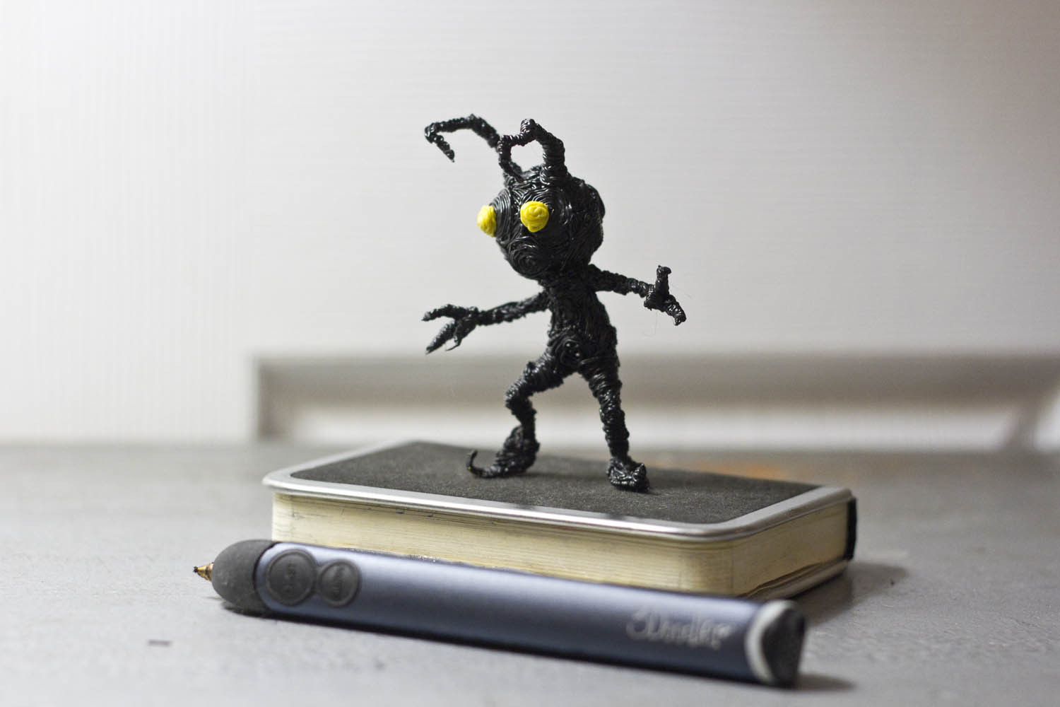 Kingdom Hearts Shadow sculpted with a 3doodler pen by Ricardo Martinez Herrera | Riikc