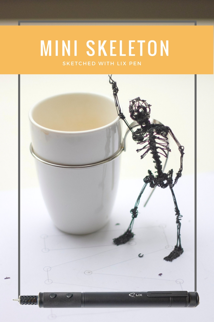 Miniature moving skeleton sketched in 3d with a LIX pen. This one was actually my first sketch!