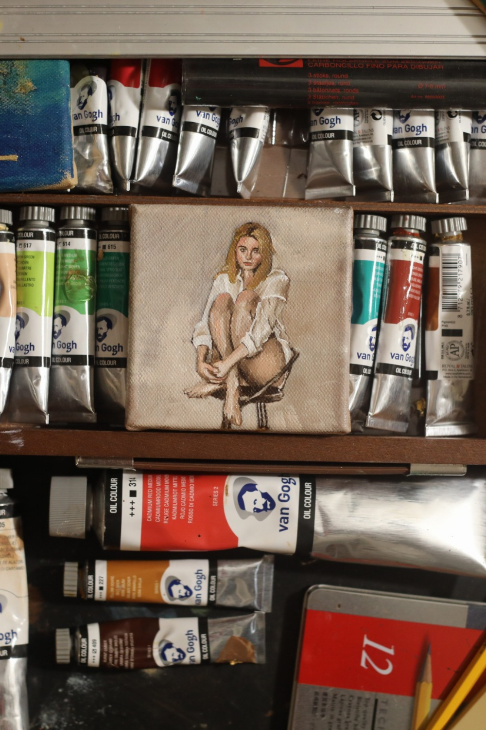 One hour oil painting sketch of Jenny, painted using the Zorn Palette on a 10x10cm canvas.